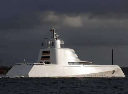 "pic3 409x300 Philippe Starck's ""A"" Destroyer"