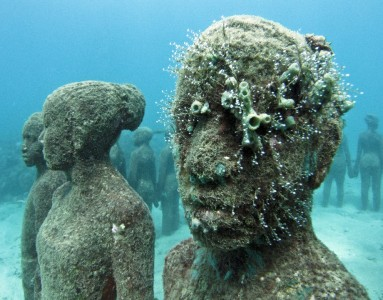 photo 1229102904 383x300 Underwater Sculptures   Jason de Caires