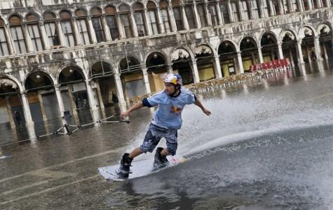 v02 17232273 475x300 Venice under water
