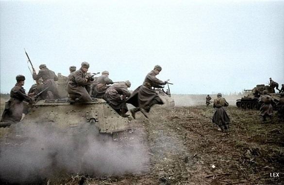world war 2 pictures in color. 50 585x382 Soviet Wold War 2