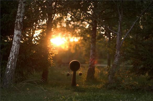cac8ec0b9b72 kefirux 585x389 Dmitriy Maximov: A Surreal Sunrise