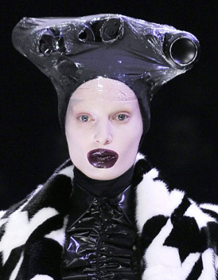 picture 21 312x400 Hats off to Alexander McQueen! No, really...take those hats off