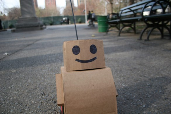 botcloseshot 585x390 Tweenbots prove New Yorkers are kind and helpful