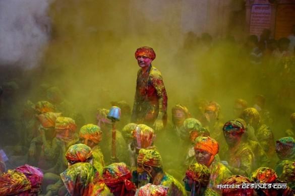 color16 585x389 True Colors   Poras Chaudhary
