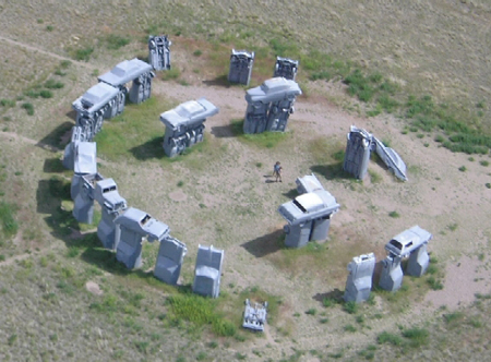6a00d8341c9c1053ef01156e3d762f970c 800wi First there was Stonehenge, now theres Carhenge...