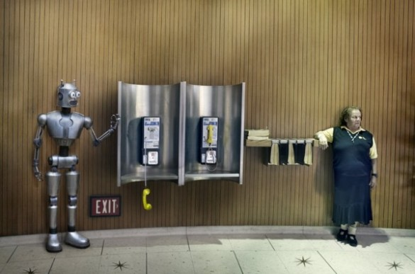 markku lahdesmaki robot series 4 600x397 585x387 Theres A Robot Among Us