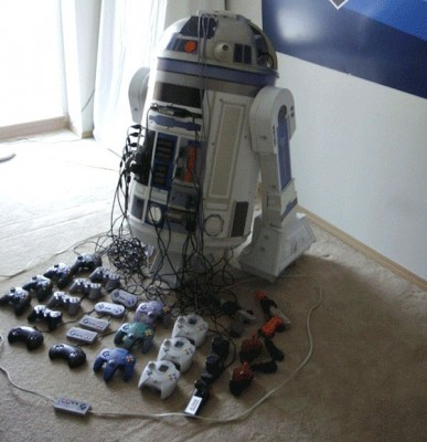 r2 d2 console casemod edit 387x400 R2D2 Turned into a gaming shrine