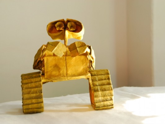 wall e0 532x400 More than Origami