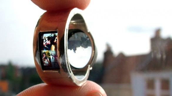 Luke Jerram 1 585x329 Cinematic Rings