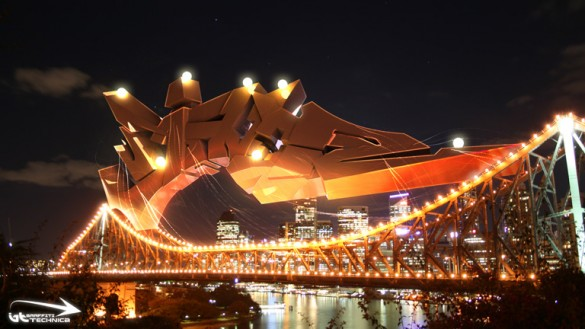 light brisbane bridge digital graffiti art brad schwede technica1 585x329 Poppin Tags with Brad Schwede
