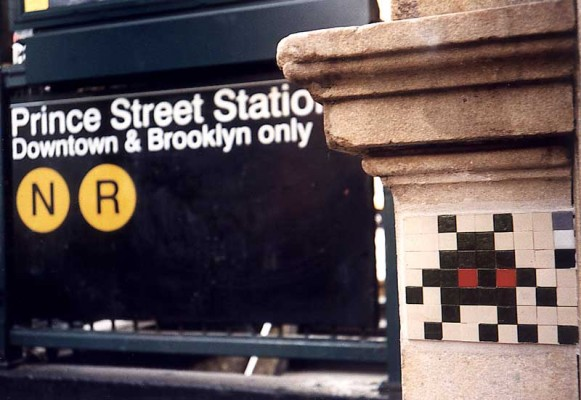 ny5 581x400 Space Invader Art